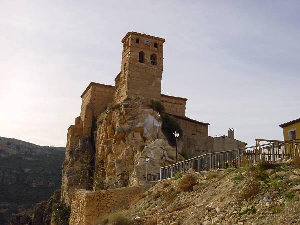 Iglesia fortaleza de Nuévalos